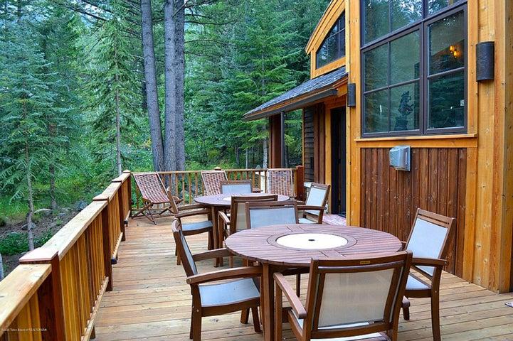 Blue Moose Lodge Deck