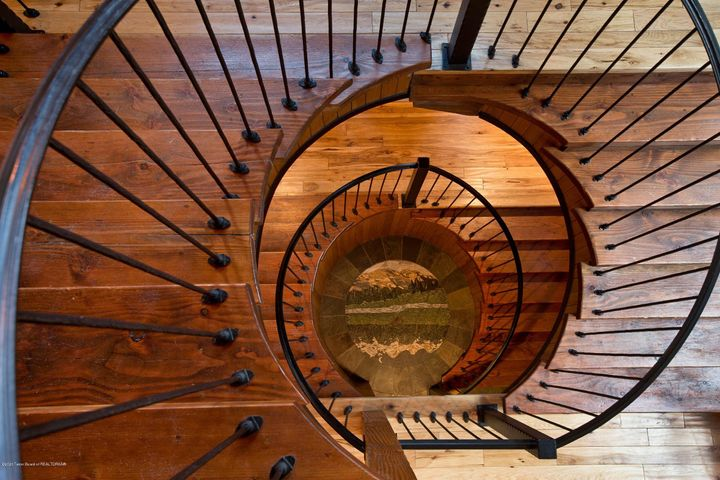 Blue Moose Lodge Spiral Staircase