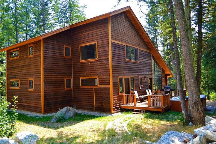 Blue Moose Lodge Summer Exterior Back
