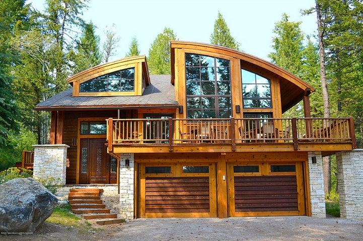 Blue Moose Lodge Summer Exterior
