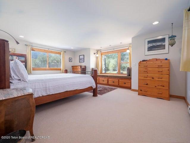 Bontecou- master bedroom