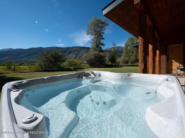 Bontecou- hot tub and west view
