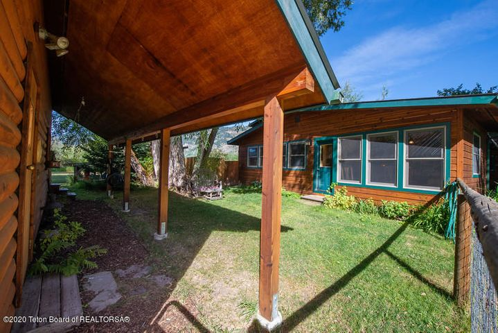 Bontecou- garage shed and side door to h