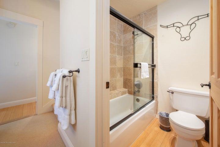 8---Primary-Shower