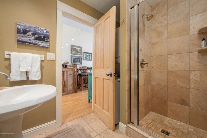 10---Guest-Bath