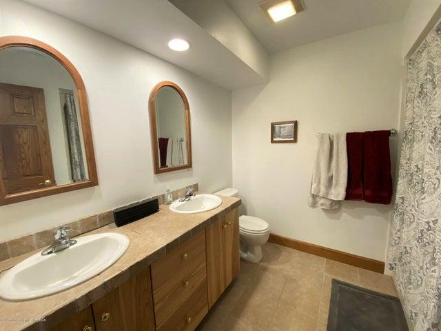 12 Upstairs Bathroom