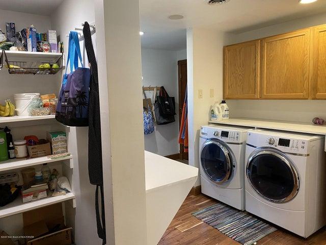 13 Pantry_Laundry