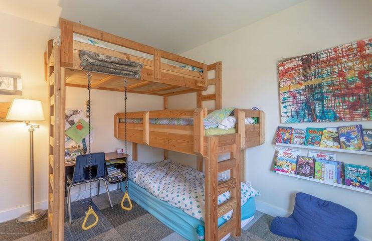 2185 Guest Bedroom