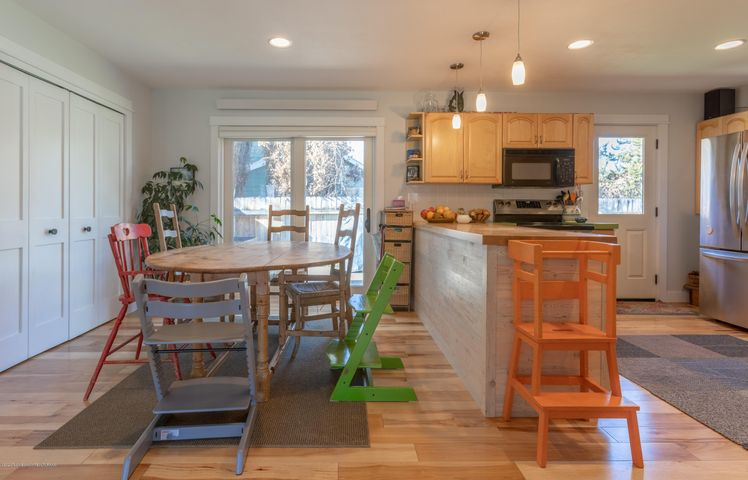 2186 Dining and Kitchen