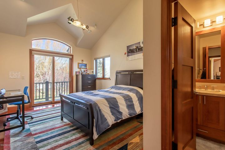 Upsatirs Bedroom #1
