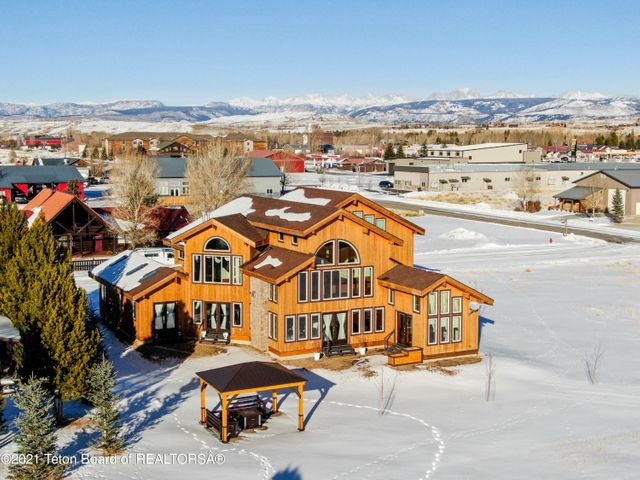 1307 CLUBHOUSE RD <br>Pinedale, WY