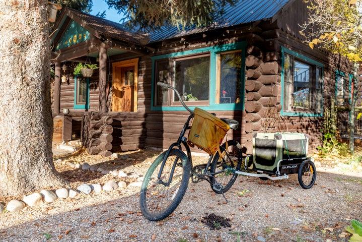 2 1310 N. West Street Wilson Cabins exte