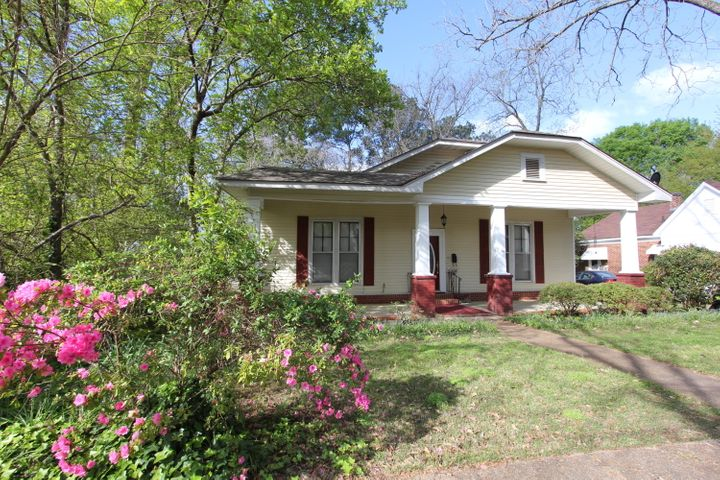 208 Apple St., New Albany, MS 38652