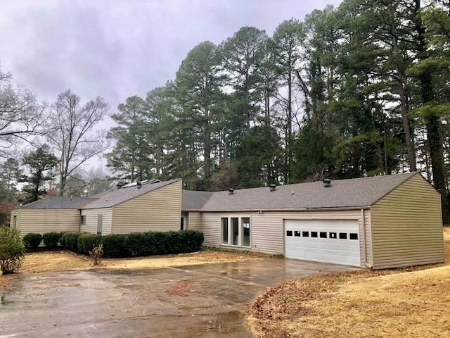 253 Lake Dr., Pontotoc, MS 38863