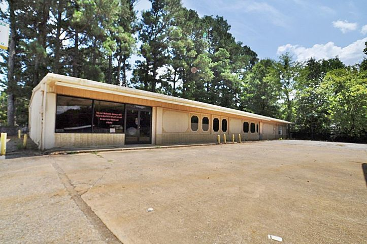 401A S West St., Ripley, MS 38663
