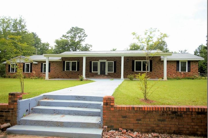 704 N Cummings St., Fulton, MS 38843
