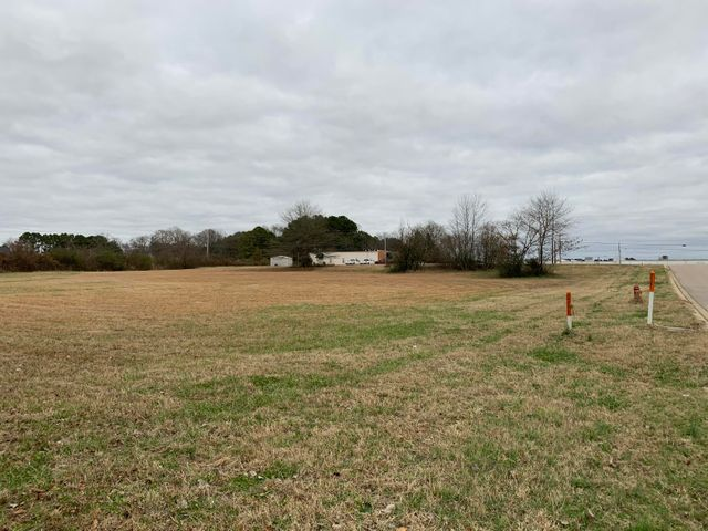 Coulter Cv., New Albany, MS 38652