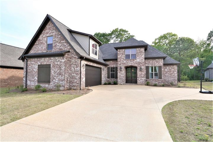 139 Courtland Dr.