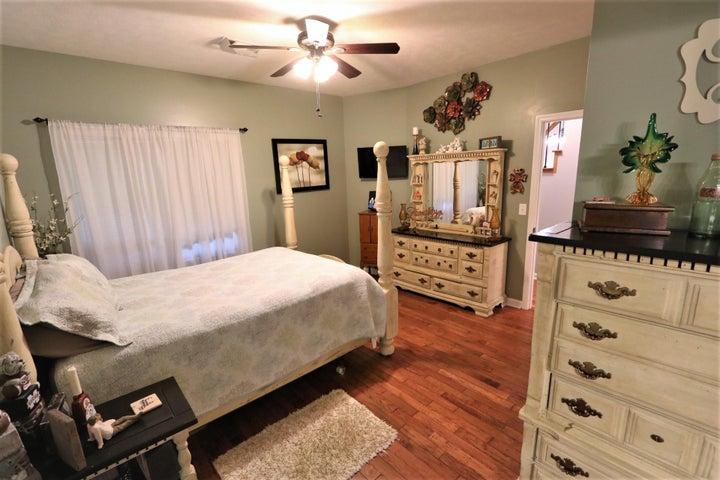 164 Windward Oaks Dr.