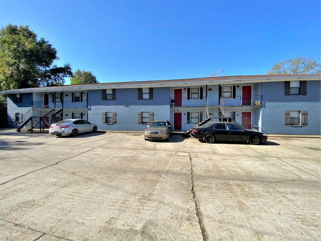 Renovated 40 unit apartment complex fully occupied as of 11/20/2020.  Property consists of 6 buildings.  2- 1 story buildings & 4 - 2 story buildings.  All units are 2BD/1BA.  GRI Annually on $349k.  Each unit has W/D hook-up.  Agents see documents for detailed information on rental income.  All info subject to verification.