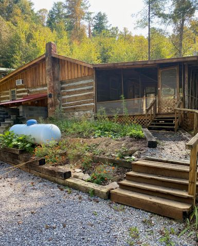 445/475 Log Cabin Road, Greeneville, TN 37743