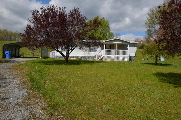 820 Fairview Road, Hampton, TN 37658