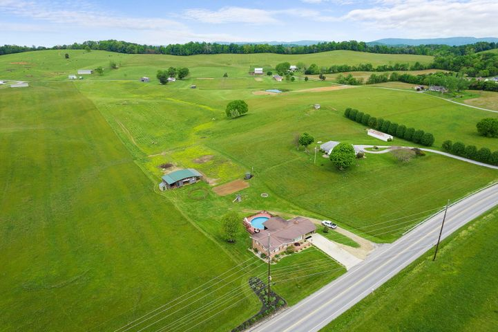 5925 Snapps Ferry Road, Afton, TN 37616