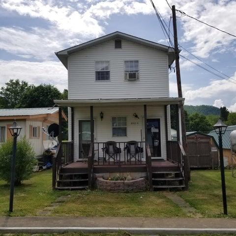 202 Mountain View Drive, Hampton, TN 37658