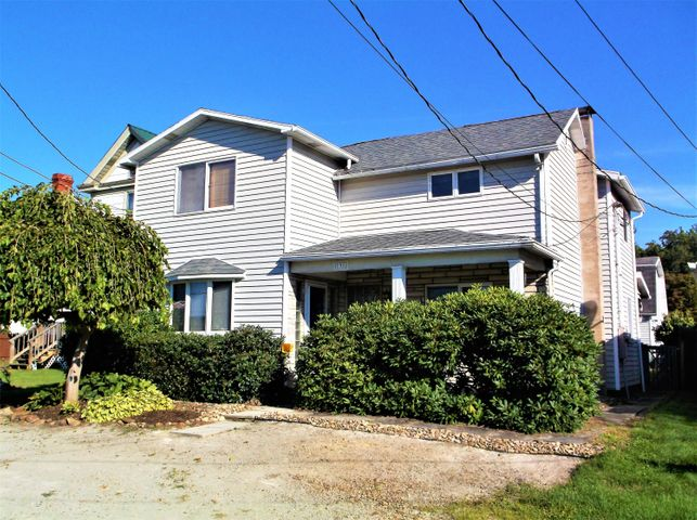 138 Church St, Hopwood, PA 15445