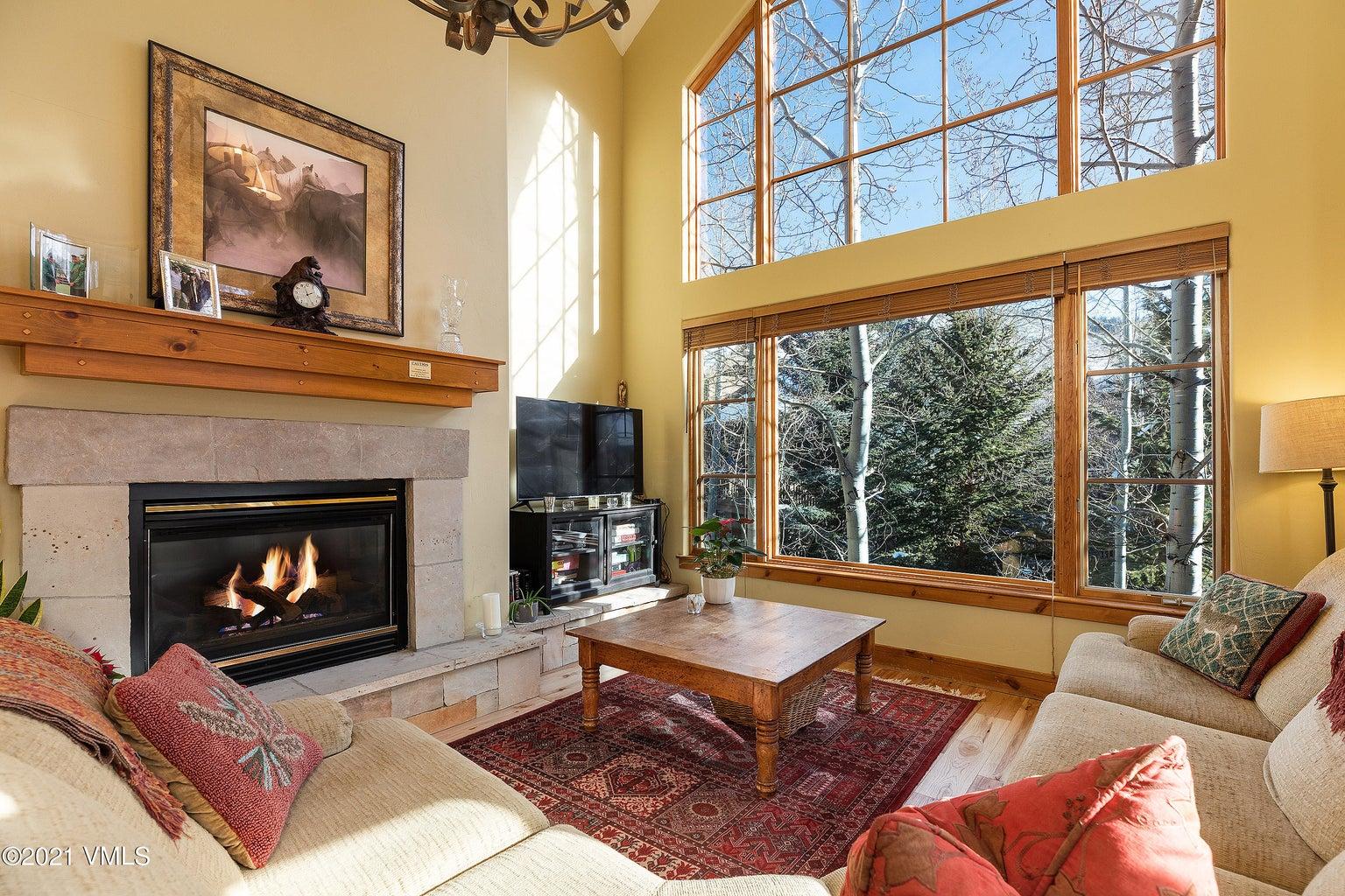 pinecone_lodge_312_interior_living