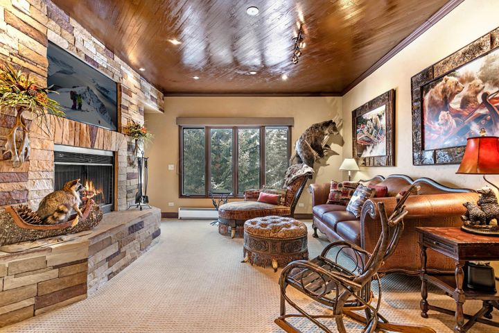 120 Offerson Road, 1360, Beaver Creek, CO 81620