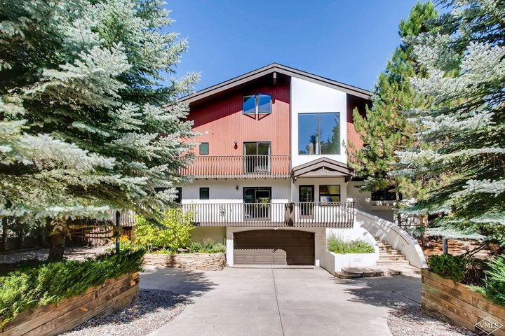 81 Deer Boulevard, Avon, CO 81620