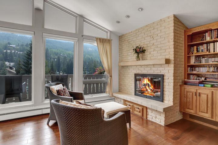 121 W Meadow Drive, 305, Vail, CO 81657