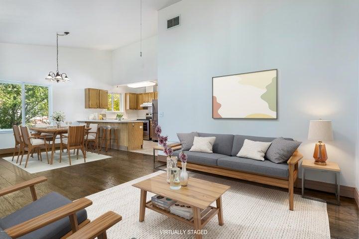 Open Floorplan Livingroom, Dining Room and Kitchen.