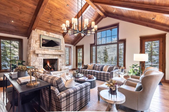 325 Forest Road, Vail, CO 81657