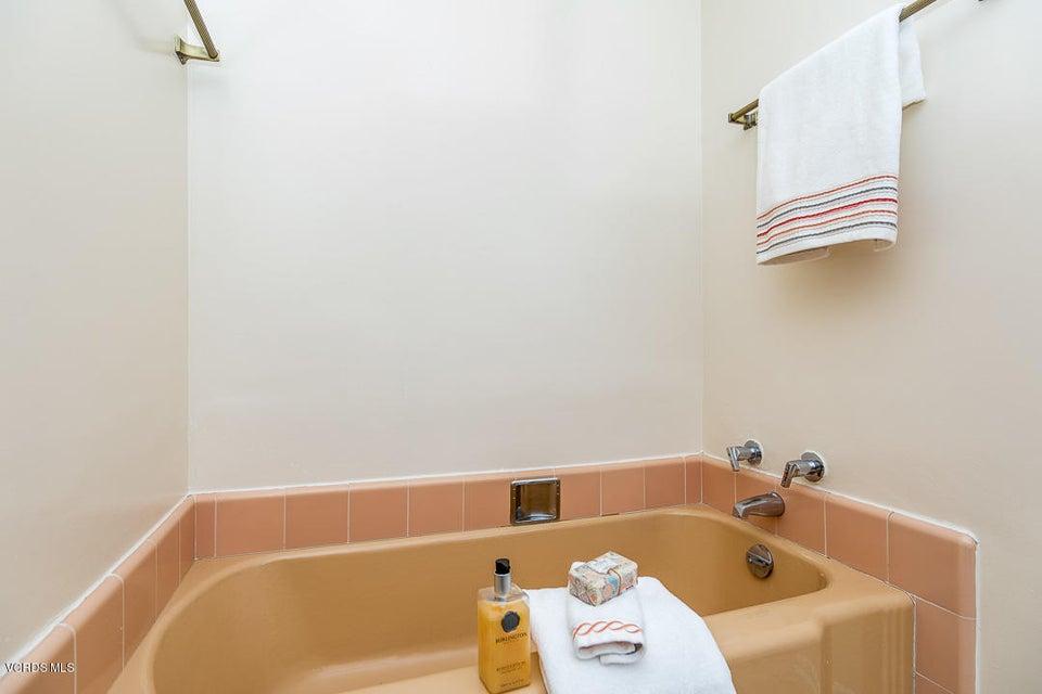 Babbitt Avenue Northridge CA Wwwdebbienicoll - Bathroom vanities northridge ca