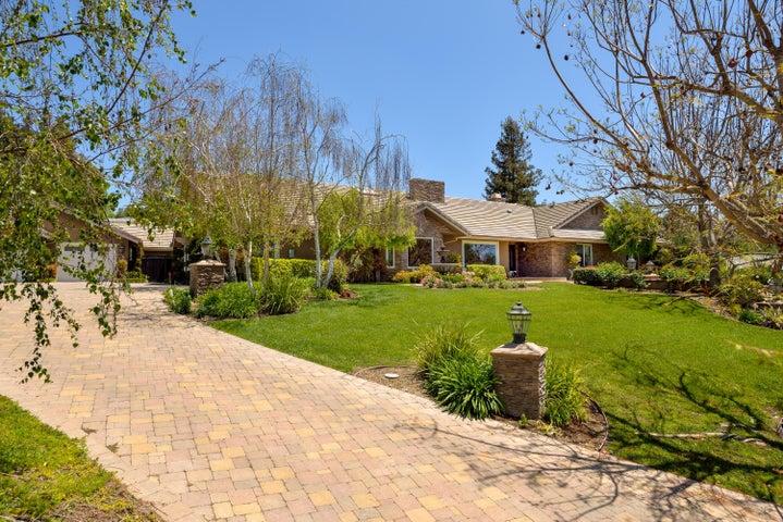 2516 La Sierra Court, Camarillo, CA 93012