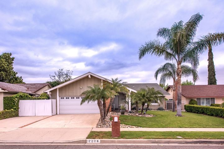 2208 Emmett Avenue, Simi Valley, CA 93063