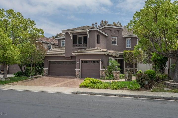 52 W Boulder Creek Road, Simi Valley, CA 93065