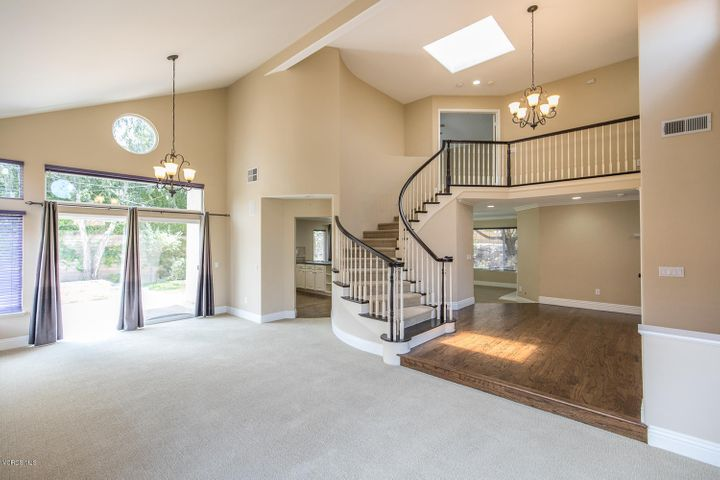 352 Cliffhollow Court, Simi Valley, CA 93065