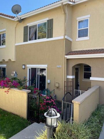2733 Night Jasmine Drive, Simi Valley, CA 93065