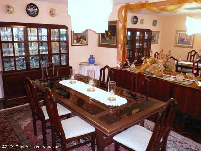 Casa Distrito Metropolitano>Caracas>Alto Hatillo - Venta:2.664.669.000.000 Precio Referencial - codigo: 09-1441