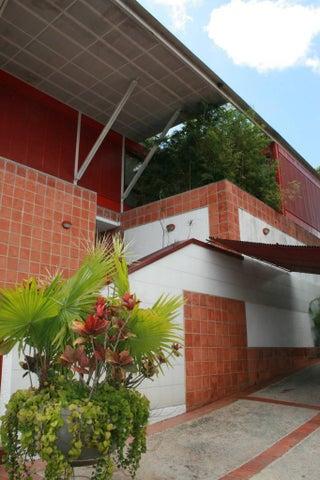 Casa Distrito Metropolitano>Caracas>Colinas del Tamanaco - Venta:152.752.000.000 Bolivares Fuertes - codigo: 05-5304