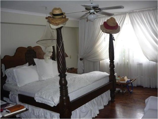 Apartamento Distrito Metropolitano>Caracas>Santa Rosa de Lima - Venta:102.038.000 Precio Referencial - codigo: 09-5919