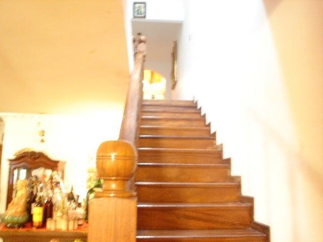 Casa Miranda>Los Teques>Colinas de Carrizal - Venta:10.845.344.000 Precio Referencial - codigo: 11-7854