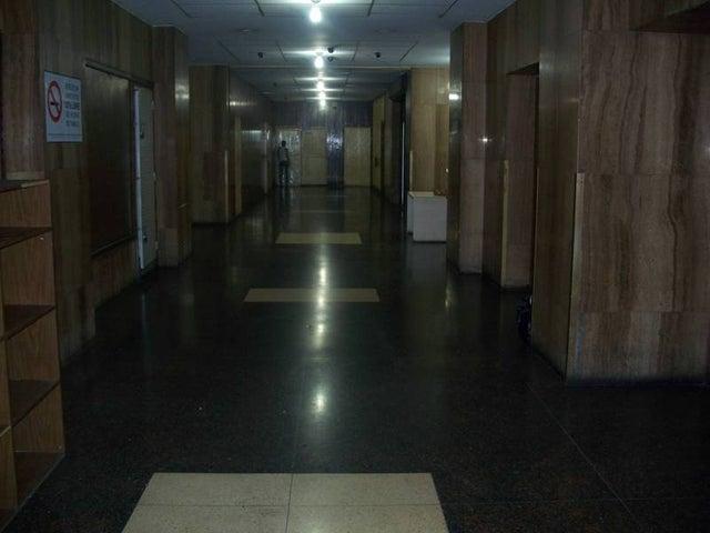 Oficina Distrito Metropolitano>Caracas>Centro - Venta:1.680.000.000 Bolivares - codigo: 12-687