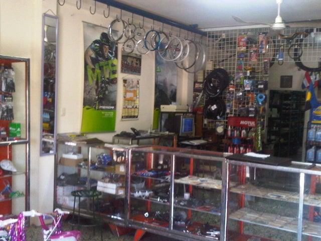 Galpon - Deposito Zulia>Maracaibo>Avenida Bella Vista - Venta:8.077.000.000 Bolivares Fuertes - codigo: 12-890