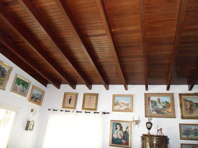 Casa Distrito Metropolitano>Caracas>Colinas del Tamanaco - Venta:629.131.000.000  - codigo: 12-2178