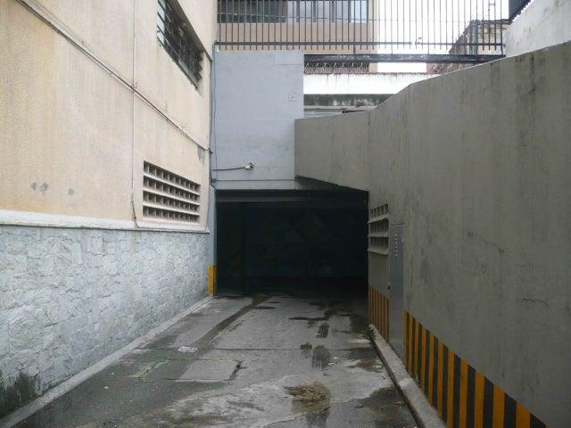Local Comercial Distrito Metropolitano>Caracas>Plaza Venezuela - Venta:641.347.000.000 Precio Referencial - codigo: 12-5061