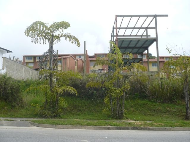 Terreno Distrito Metropolitano>Caracas>Loma Linda - Venta:47.001.000.000 Bolivares - codigo: 13-1112